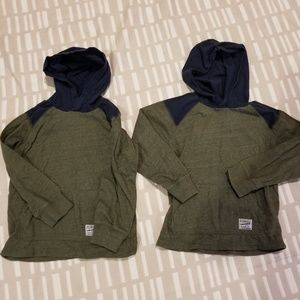 Boys size 6 carters shirts. Green and navy